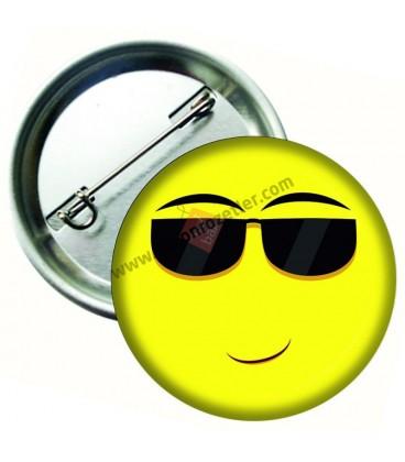 Gözlüklü Smiley İğneli Metal Rozet 44 mm